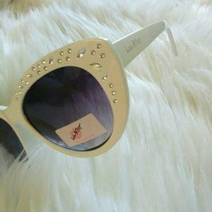 New Betsey Johnson White Bling Cat Eye Glasses!